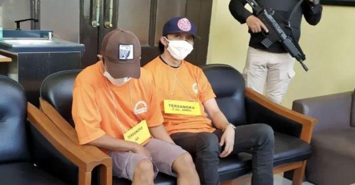 Dua Buruh Warga Cirebon Ditangkap Polisi Akibat Menjadi Pengepul Judi Togel Online
